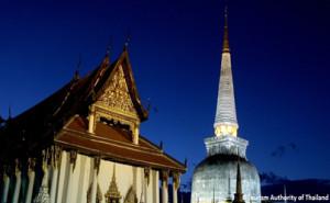 amazing-thailand-procesion-castillos-cera