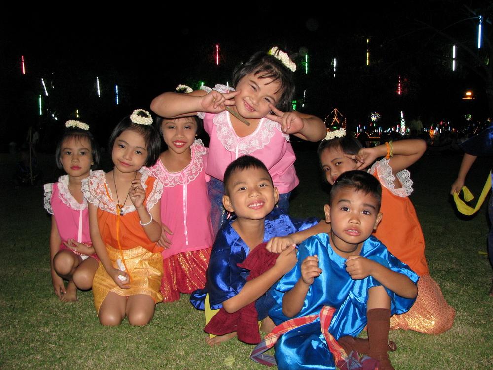 bangkok tailandia niños children