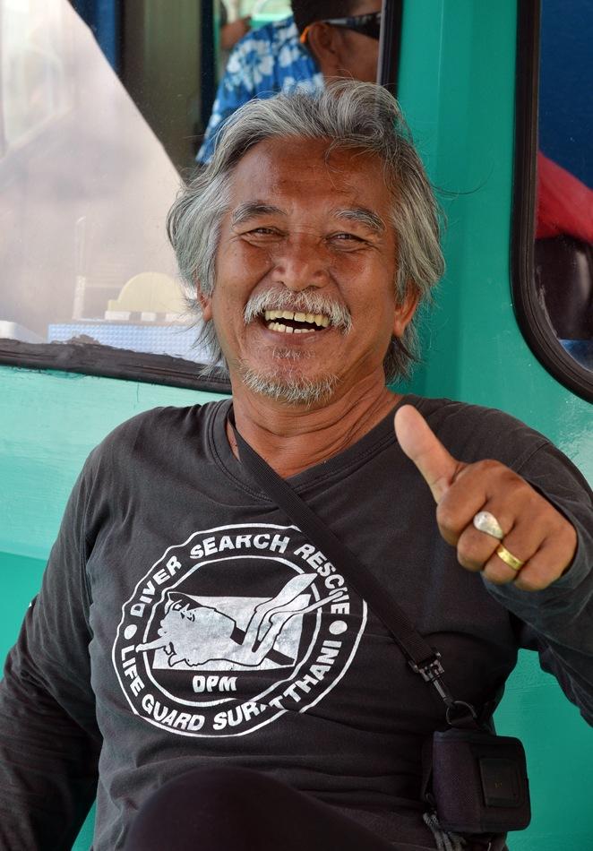 Khun Dang, el apostol de los delfines rosas.