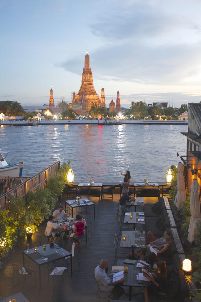 El Blog de Tailandia- Wat Arun desde Sala Rattanakosin