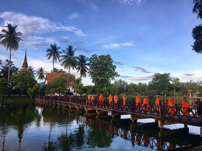Foto 16_Monjes Sukhothai_