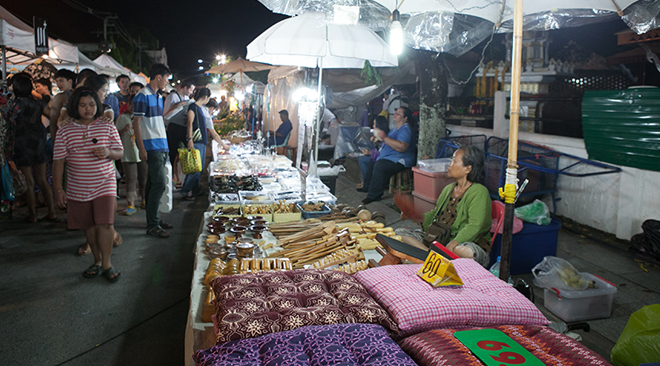 Sat Night Market