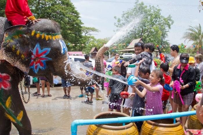 Turismo de Tailandia_Songkran_11_-_Ayutthaya