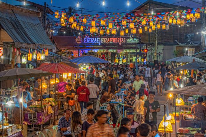 Turismo de Tailandia_Traditional Mraket in Nakhon  Chum, Kamphaeng Phet