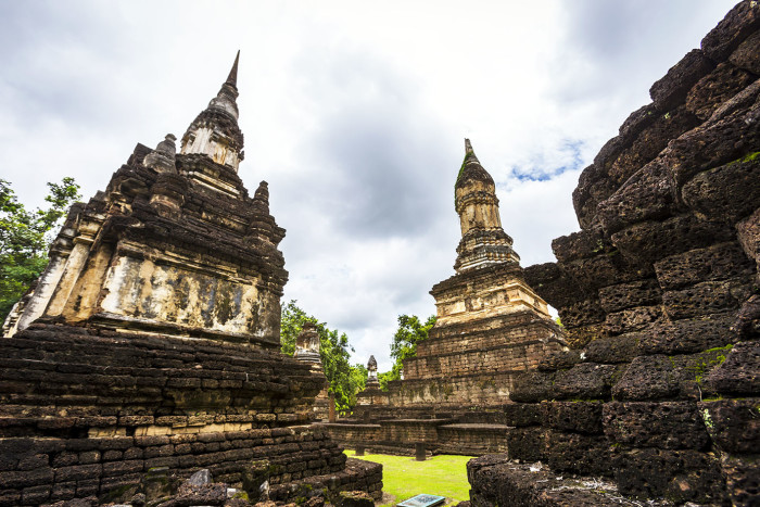 Turismo de Tailandia_Chedi Ched Thaeo Temple in Si Satchanalai Historical Park, Sukhothai