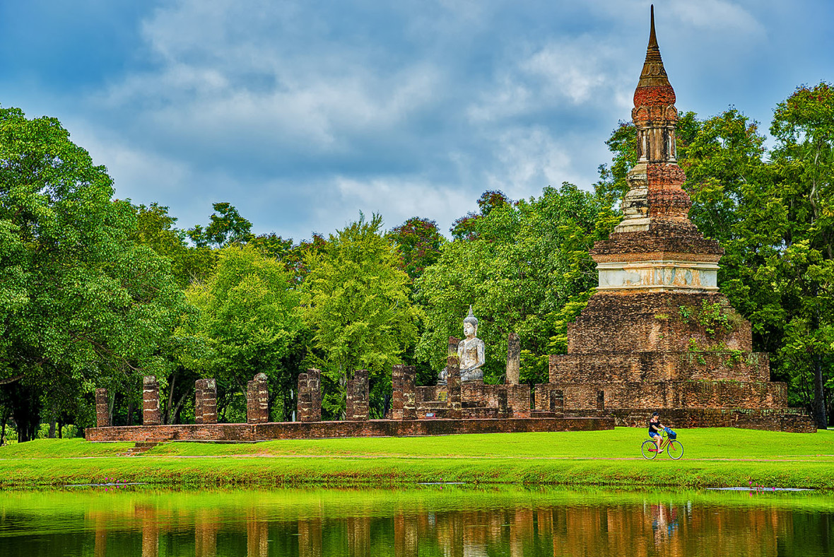 Turismo de Tailandia_Tra Phang Ngoen Temple is Located in Sukhothai Historial Park, Sukhothai