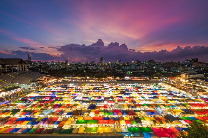 Turismo de Tailandia_Train Night Market Ratchada, Bangkok