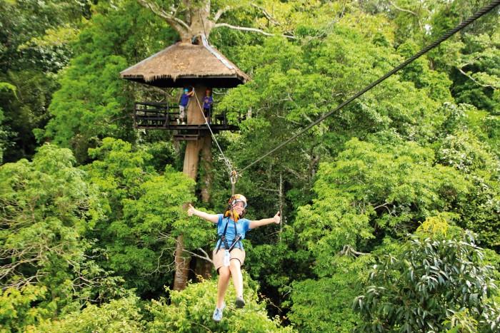 Turismo de Tailandia_Chon-Buri-00019216_Flight of the Gibbon