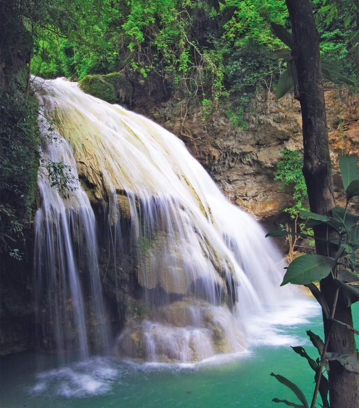 Turismo de Tailandia_Lamphun-Cascada_