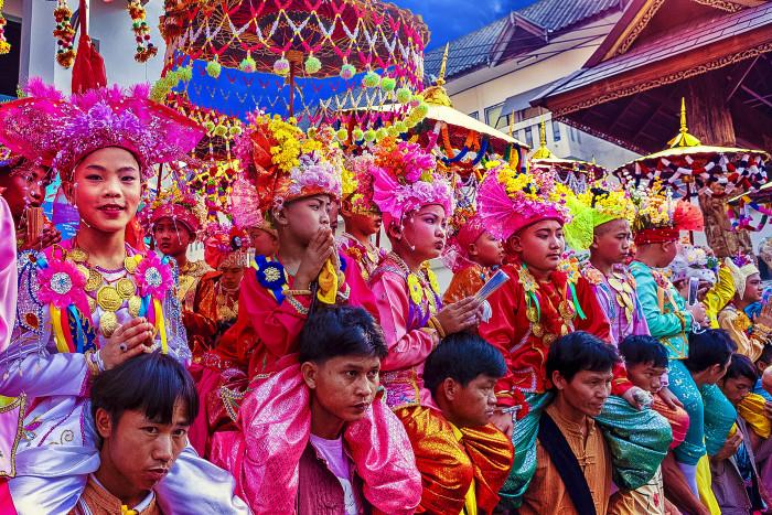 Turismo de Tailandia_Poi Sang Long Procession, Mae Hong Son