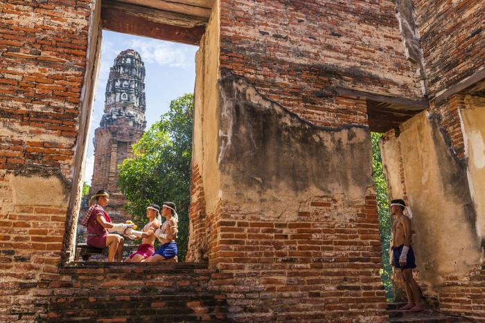 Turismo de Tailandia_Ayutthaya-Wat Borom Phuttharam-Wai Kru Muay Thai Ceremony (พิธีไหว้ครูมวยไทย) 180532BS_