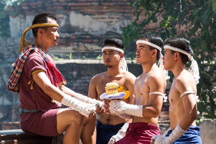 Turismo de Tailandia_Ayutthaya-Wat Borom Phuttharam-Wai Kru Muay Thai Ceremony__