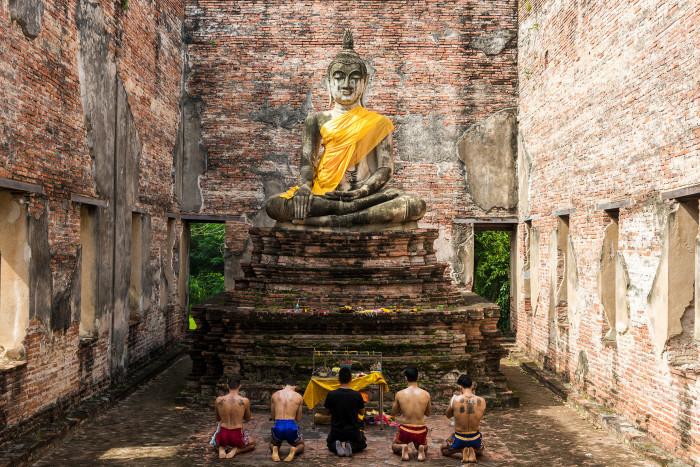 Turismo de Tailandia_Ayutthaya-Wat Borom Phuttharam-Wai Kru Muay Thai Ceremony____