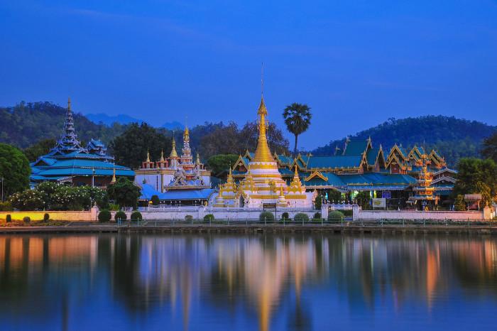 Wat Chong Kham y Wat Chong Klang