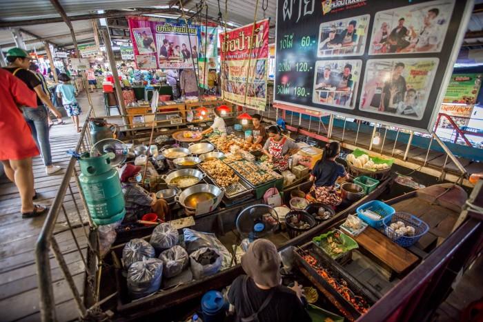 Turismo de Tailandia - Wat Lam Phaya Floating Market, Nakhon Pathom