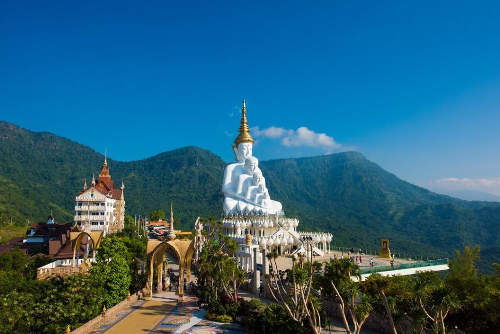 Wat Phrathat Pha Sorn Kaew<