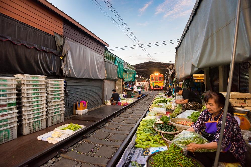 Rom Hup Market at Mae Klong, Samut Songkram