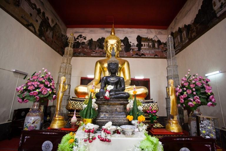 Kalasin-Wat-Klang-Luangpho-Ong-Dum-1